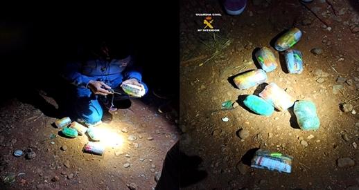 """مغاربة يلقون بمخدرات عبر السياج الحدودي """"باريوتشينو"""" لزبنائهم بميليلة والحرس الإسباني يعتقل 7 متورطين"""