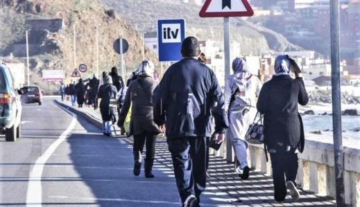 """سلطات سبتة المحتلة تفرض """"الفيزا"""" على المغاربة وتمنع دخول """"الحمّالين"""" والخادمات إلى """"أراضيها"""""""