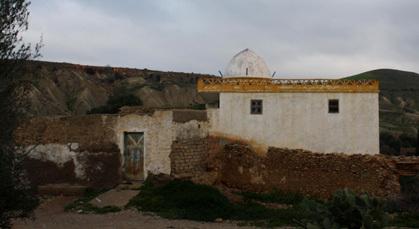 """زاوية """"سيذي"""" صالح بقبيلة تمسمان معلمة تاريخية تكالب عليها الزمن والإهمال"""