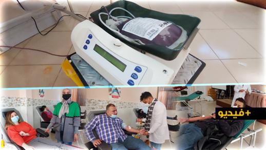 الناظور.. حملة للتبرع بالدم تحفز المواطنين بالكثير من الهدايا والمفاجآت