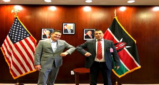 في لقاء بسفير المغرب.. السفير الأمريكي بكينيا يشيد بقرار الاعتراف بمغربية الصحراء ويعتبره حدثاً تاريخياً
