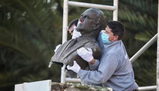 اسبانيا تشرع في ازالة تماثيل الملك خوان كارلوس من الفضاءات العامة