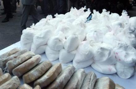 بارون مخدرات يدير 10 شبكات لترويج الكوكايين من داخل زنزانته