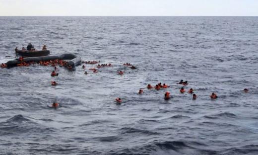 انتشال جثتين وإنقاذ 21 مرشحا للهجرة غير الشرعية بسواحل الناظور