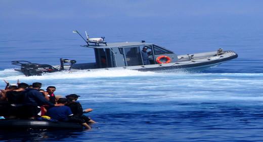 أبحر من سواحل الناظور.. استنفار بحري للبحث عن قارب للهجرة السرية اختفى في بحر البوران