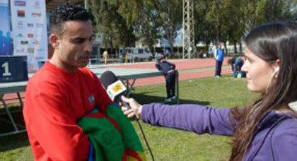 ابن الريف كمال جمالي يحرز البطولة في مسابقة للمارثون ببرشلونة