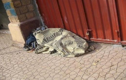 """وضعية المغاربة بدون مأوى خلال موجة البرد القارس تجرّ وزيرة الأسرة والتضامن إلى """"المساءلة"""""""