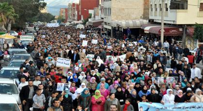"""المؤتمر الاتحادي والعدل والإحسان يطالبان بإطلاق سراح معتقلي 2 مارس ورفع """"العَسْكرة"""" على زايو"""