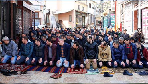 """المجلس الفرنسي للديانة الإسلامية يعتمد """"ميثاق المبادئ"""" حول الإسلام"""
