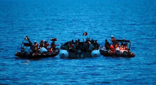 انطلقوا من سواحل الريف.. وصول عشرات المهاجرين المغاربة على متن 6 قوارب إلى إسبانيا
