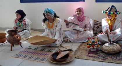 معرض للتراث المغربي بإعدادية صبرا بزايو يثير الإعجاب لدى الحاضرين