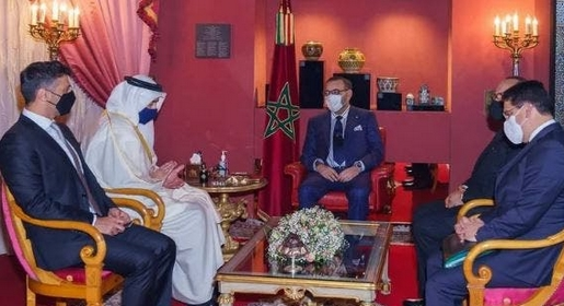الملك يستقبل وزير الخارجية الإماراتي بالقصر الملكي بفاس