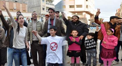 قافلة حقوقية من الجهة الشرقية تحل بزايو للتضامن مع معتقلي 02 مارس وتطالب ببرائتهم
