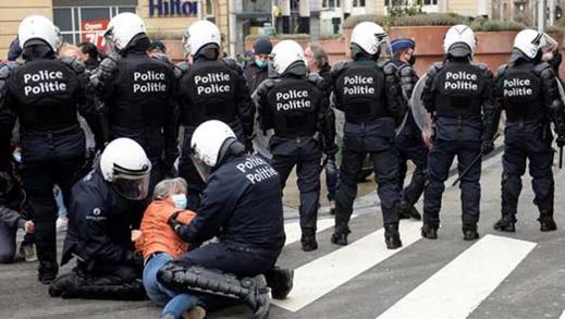 اعتقالات ببلجيكا في صفوف محتجين ضد القرارات المتخذة للحد من إنتشار فيروس كورونا
