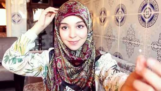المؤثرة الريفية إحسان بنعلوش تكشف السبب الحقيقي لارتداءها الحجاب