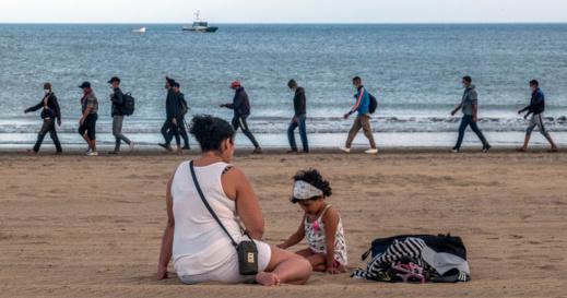 سلطات جزر الكناري تضع يدها على قلبها بسبب تزايد عدد المهاجرين السريين