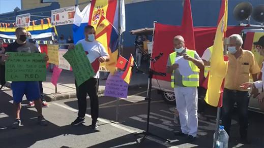 """افراد من الجالية المغربية يحتجون تنديدا بممارسات """"إخوانهم المغاربة"""" الملتحقين مؤخرا"""
