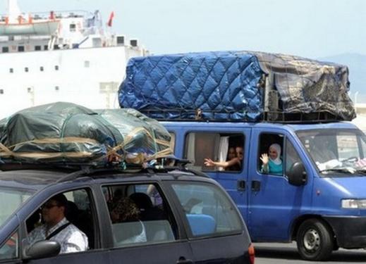 سماسرة تذاكر البواخر يبتزون المسافرين من الجالية المغربية ويرفعون الأسعار بـ 150%