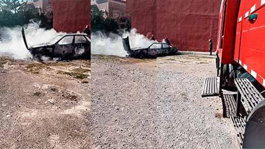 حريق مهول يأتي على سيارة بكاملها في الحي الإداري بالعروي