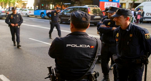 تدخل بطولي لمهاجر مغربي من ذوي الاحتياجات الخاصة يُحبط عملية سرقة سيارات بإسبانيا