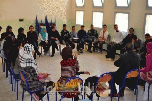 هيأة السلام الأمريكية تتطوع في برنامج المقامات اللغوية بدار الشباب بزايو