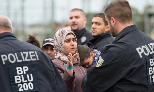 مسؤول الاستخبارات الألمانية يدعو إلى دعم الجمعيات الإسلامية والمساواة بين الديانات