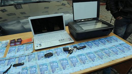 تزوير النقود ومحاولة شراء هواتف نقالة بها يقود إلى إعتقال شخصين بالناظور