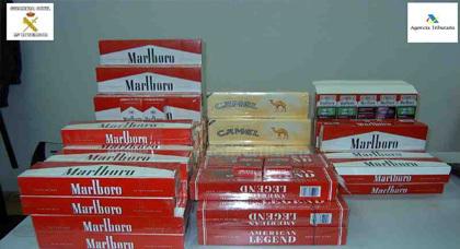 مفارقة غريبة.. بعدما كان المغاربة يهربون السجائر من مليلية هاهم يغرقونها بالسجائر الجزائرية