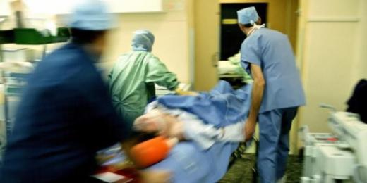 الوزير المستقيل الرميد يدخل مستشفى محمد السادس