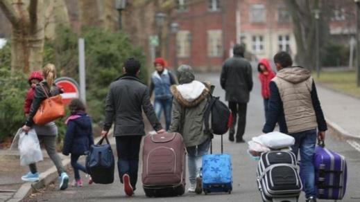 بعد رفض طلب اللجوء.. إسبانيا ترحل ناشطين من حراك الريف إلى العيون