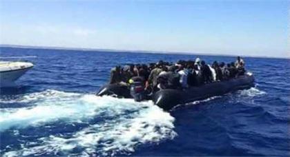 انقاذ 14 مهاجرا سريا بمياه مضيق جبل طارق بعدما كانوا يصارعون الأمواج للوصول الى اسبانيا