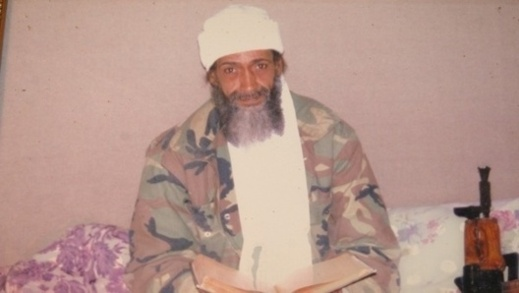 """شبيه بن لادن المغربي يروي للـ""""العربية"""" قصته مع التمثيل والتسول"""