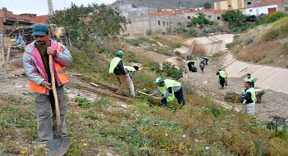 جمعية الخير ببوسعيدات بزايو تنظم حملة نظافة بداخل الحي