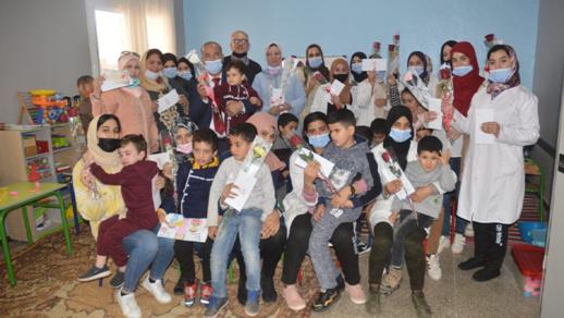 """جمعية """"أيمن"""" للتوحد بالناظور تحتفي بأطرها النسوية وأمهات الأطفال في عيدها العالمي"""