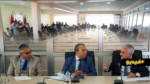 غرفة التجارة والصناعة بالناظور تنظم لقاءً على شرف المديرين الجهوي والإقليمي للضرائب