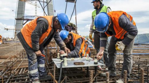 أزمة عمال البناء الناظوريين تدفع سلطات مليلية إلى إنشاء مدرسة لتكوين سكانها
