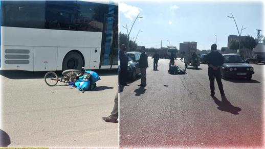 اصطدام مباشر بين سيارة ودراجة هوائية يرسل بائعا للمتلاشيات إلى مستعجلات مستشفى الحسني بالناظور