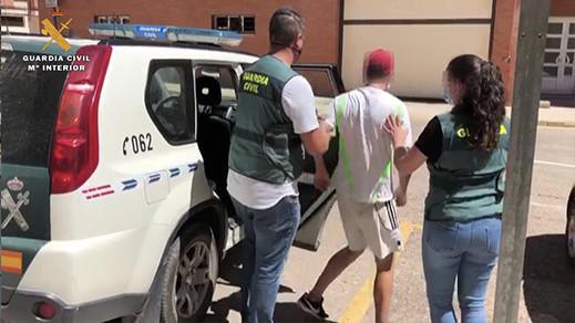 بينهم مغربي.. الشرطة الإسبانية تفكك شبكة تستغل المهاجرين في الحقول الفلاحية