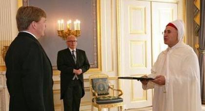 ملك هولندا الجديد يستقبل ابن الحسيمة عبد الوهاب بلوقي كسفير للمغرب وينوه بدور الجالية