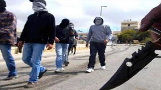 شخصين ينفذان سرقة لمنزل باستعمال أسلحة بيضاء ويصيبان شخصا بأزغنغان