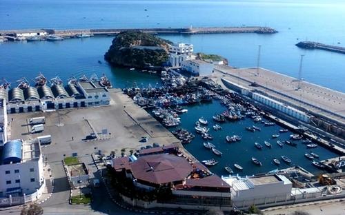 ملياري سنتيم لتجهيز ميناء الحسيمة لاستقبال الحاويات والشاحنات التجارية