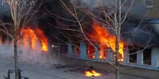 انتقاما من جيرانه.. مغربي يضرم النار في عماره سكنيه بإسبانيا