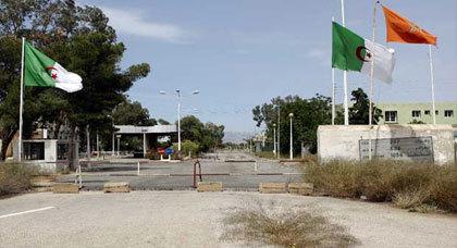 وزير الداخلية الجزائرية: نفتح 24 مركزَ مراقبةٍ على الحدود مع المغرب للقضاء على التهريب