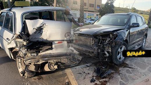 خسائر مادية هامة في حادث اصطدام سيارتين على مستوى الطريق الرابط بين الناظور وبني انصار