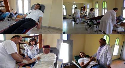 باشا المدينة وأمنيون ومواطنون بزايو ينخرطون في الحملة الوطنية للتبرع بالدم