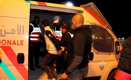 مغاربة يُقيمون صلاة التراويح في الشارع العام والأمن يتدخل لاعتقالهم