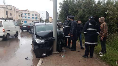 يوم مشؤوم بطريق أزغنغان.. بعد غرق حافلة للنقل الحضري، اصطدام 4 سيارات في حادثة سير بسبب رداءة الطريق