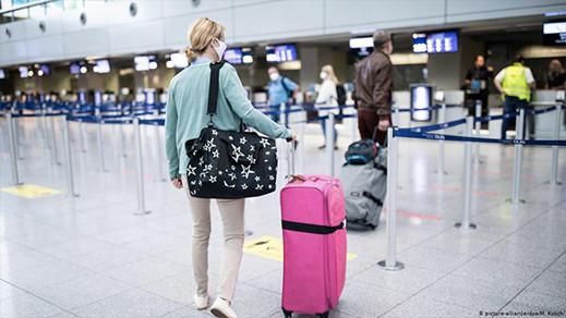 بلجيكا تعمل على تخفيف الإجراءات الإحترازية ورفع القيود عن السفر