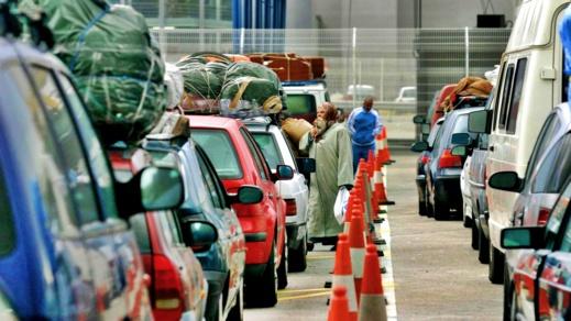 """منع أفراد الجالية الذين لا يتوفرون على جواز """"لقاح كورونا"""" بالعبور إلى المغرب"""