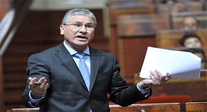 سابقة.. الوزير الوردي يجيب بالريفية وسط احتجاجات بعض النواب بالبرلمان